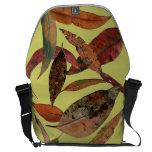 La bolsa de mensajero grande del relevo de la hoja bolsas messenger