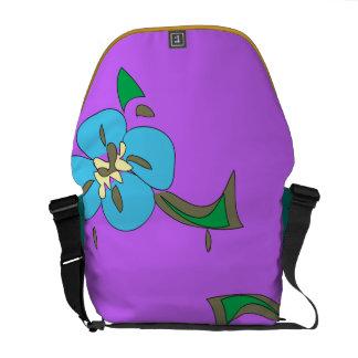 La bolsa de mensajero hawaiana de la orquídea en a bolsas messenger