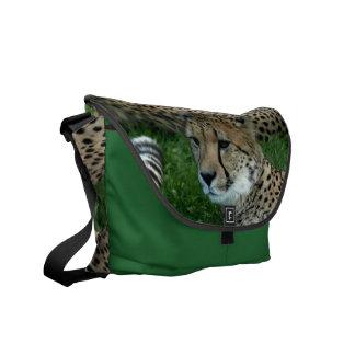 La bolsa de mensajero manchada del guepardo bolsa messenger
