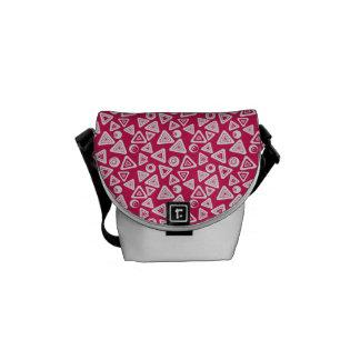 La bolsa de mensajero retra rosada enrrollada bolsas messenger