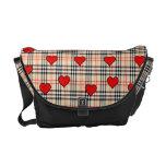 La bolsa de mensajero roja de los corazones del mo bolsa de mensajería
