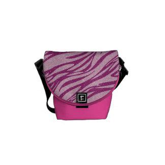 La bolsa de mensajero rosada bonita del estampado  bolsas messenger