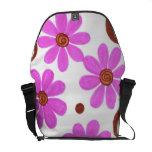 La bolsa de mensajero rosada brillante del estampa bolsas messenger