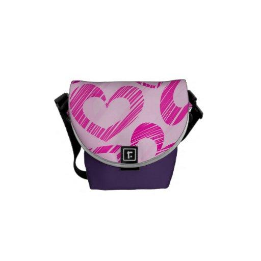 La bolsa de mensajero rosada de los corazones bolsa messenger