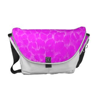 La bolsa de mensajero rosada de neón del leopardo bolsas messenger