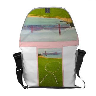 La bolsa de mensajero rosada grande de la cinta bolsa messenger