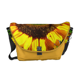 La bolsa de mensajero verde del girasol del tercio bolsa de mensajería