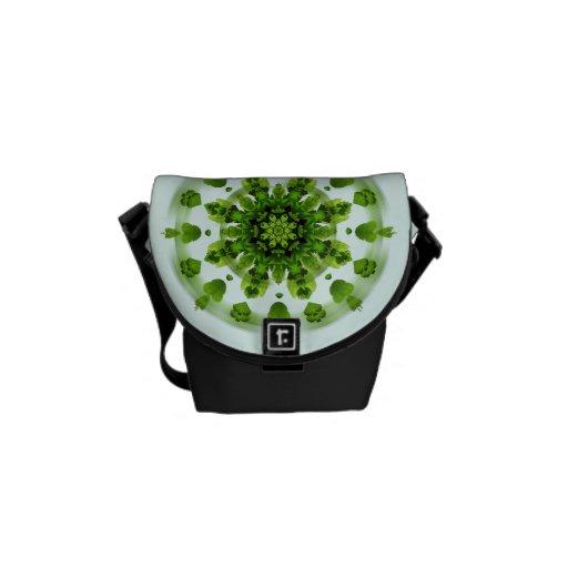 La bolsa de mensajero verde del jardín del helecho bolsas de mensajería