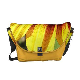 La bolsa de mensajero viva del primer del girasol bolsas de mensajeria