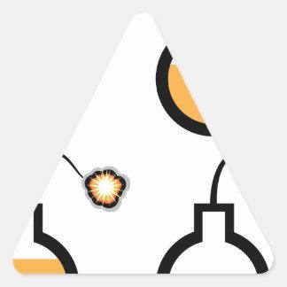 La bomba llenada chispeó vector pegatina triangular