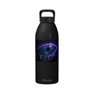 La botella de agua LLORA repitiendo la condición