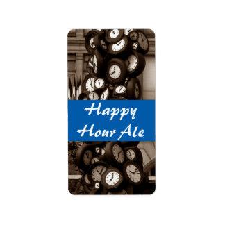 La botella de la cerveza inglesa de la hora feliz etiquetas de dirección