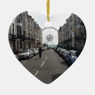 La Brighton rueda adentro Brighton, Reino Unido Adorno Navideño De Cerámica En Forma De Corazón