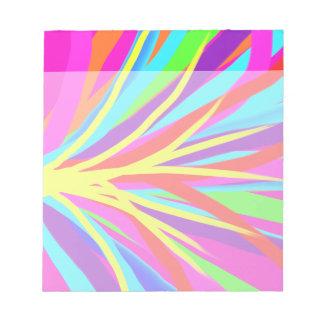 La brocha colorida viva frota ligeramente arte fem libretas para notas
