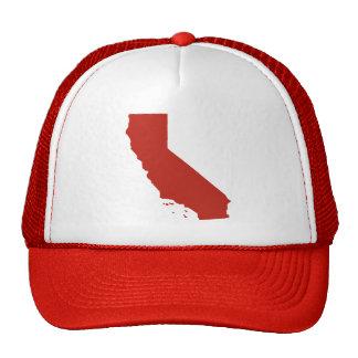 La broche del rojo de California detrás enreda el Gorras