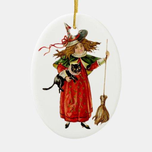 La bruja más pequeña - 1 - ornamento de Halloween Adorno Navideño Ovalado De Cerámica