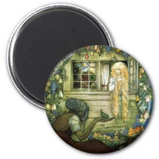 La bruja ofrece a princesa una pera imán para frigorífico