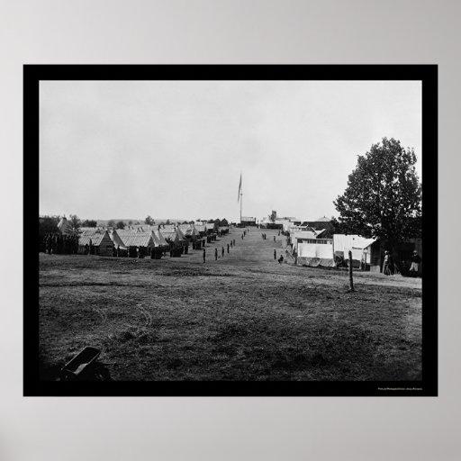 La caballería acampa en la colina de la perspectiv póster