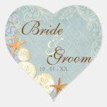 La cabaña floral por el mar descasca el boda con p calcomanías corazones