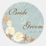 La cabaña floral por el mar descasca el boda con p pegatinas redondas