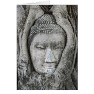 La cabeza de la piedra arenisca de Buda rodeó por Tarjetas