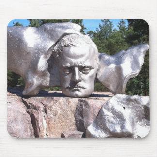 La cabeza de Sibelius Tapetes De Raton