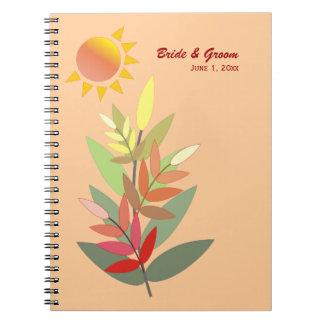 La caída colorea el cuaderno del boda