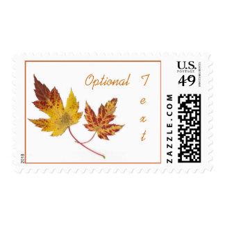 La caída de las hojas de arce colorea franqueo sello