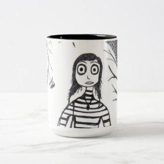 La caída espeluznante taza de café