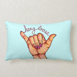 La caída suelta la mano almohada