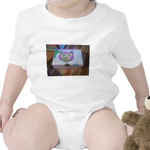 La caja de gato esencial trajes de bebé