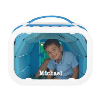 La caja del almuerzo del niño de encargo personali