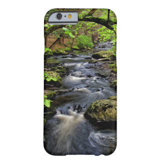 La cala atraviesa el bosque funda de iPhone 6 barely there