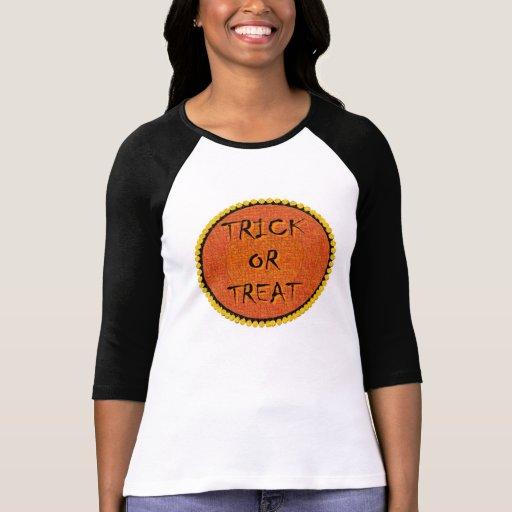 La camisa de las mujeres del truco o de la