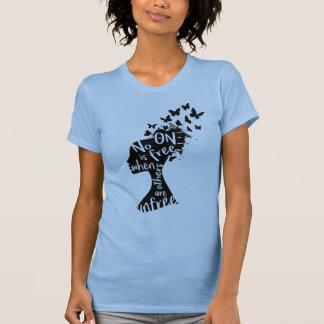 """La camisa de las mujeres """"Unfree"""" de NU de la"""