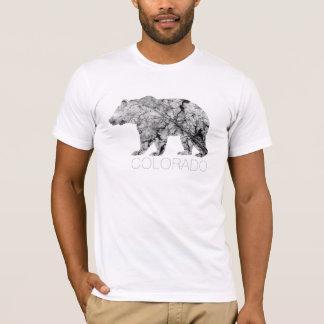La camisa de los hombres agrietados de la hoja el