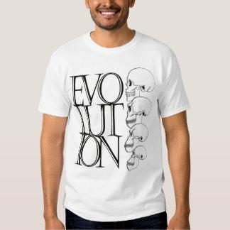 La camisa de los hombres de la evolución