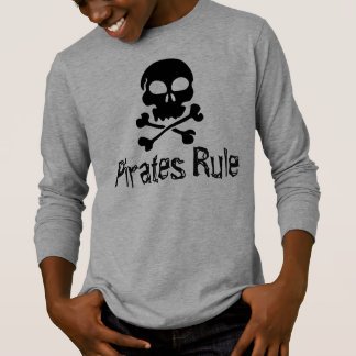 La camisa de los niños piratea regla