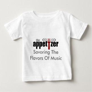 La camisa del bebé del aperitivo
