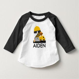 La camisa del cumpleaños de la construcción,