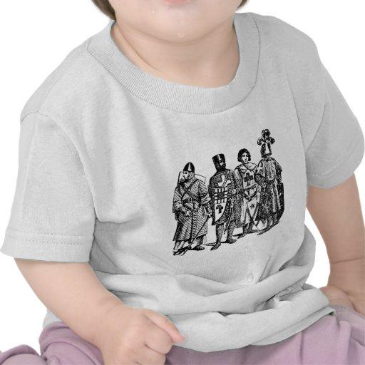 La camisa del niño medieval de los caballeros