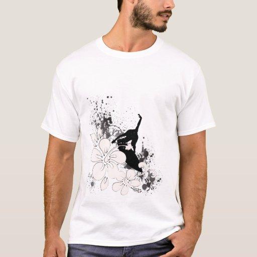 La camisa destruida de los hombres que practican