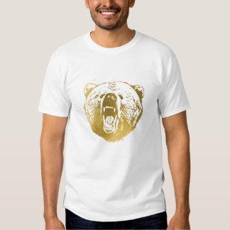 La camisa, el blanco y el oro de los hombres de playeras