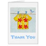 La camisa hawaiana le agradece cardar tarjetas