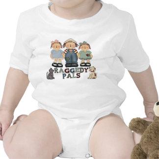 La camisa Raggedy del niño de los Pals de Ana y de