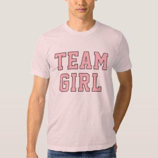 La camisa rosada de los hombres de la niña el |