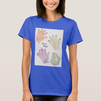 La camiseta básica de las mujeres con diseño de la
