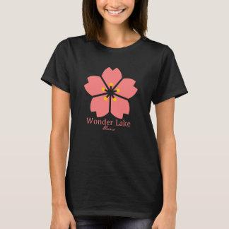 La camiseta básica de las mujeres de la flor