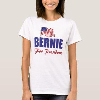 La camiseta básica de las mujeres de las