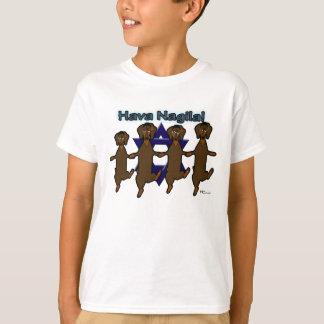 La camiseta básica del niño de los perros de patas